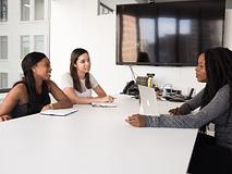 Quelles questions poser aux recruteurs en entretien ?